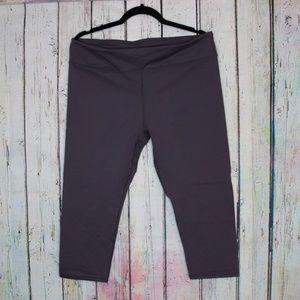 Fabletics Dark Grey Crop Legging